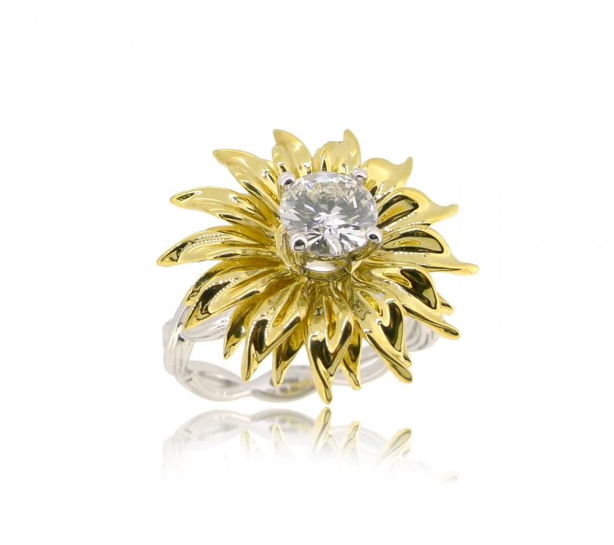 OD068~ 18K Yellow/White Gold Sunflower Shape Ring with Diamond