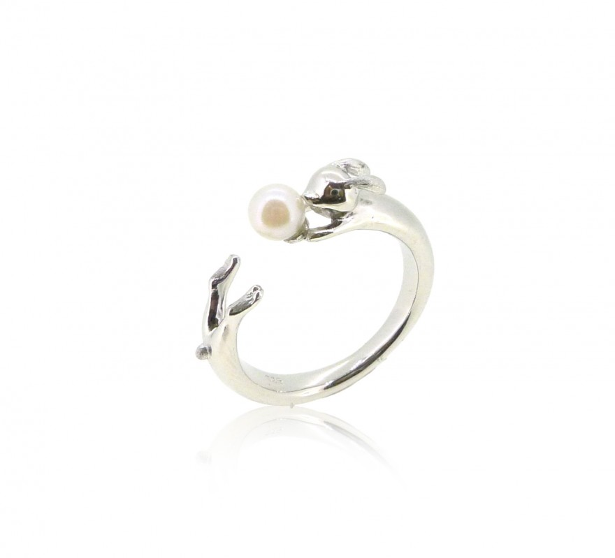 HK185~ Rabbit Shaped Silver Ring With Natural Pearl