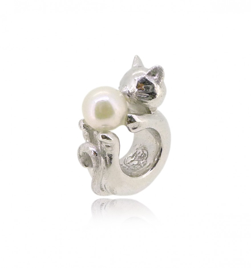 HK152~ Cat Shaped Silver Charm with Natural Pearl