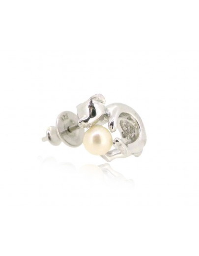 HK191~ Dog Shaped Silver Earring With Natural Pearl