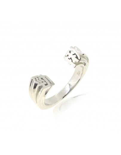 HK228~ 925 Silver  Powerful Ring