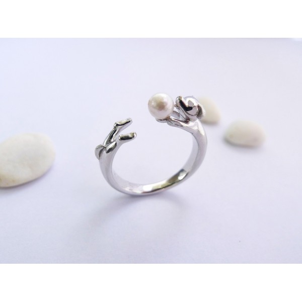 HK186~ Dog Shaped Silver Ring With Akoya Pearl