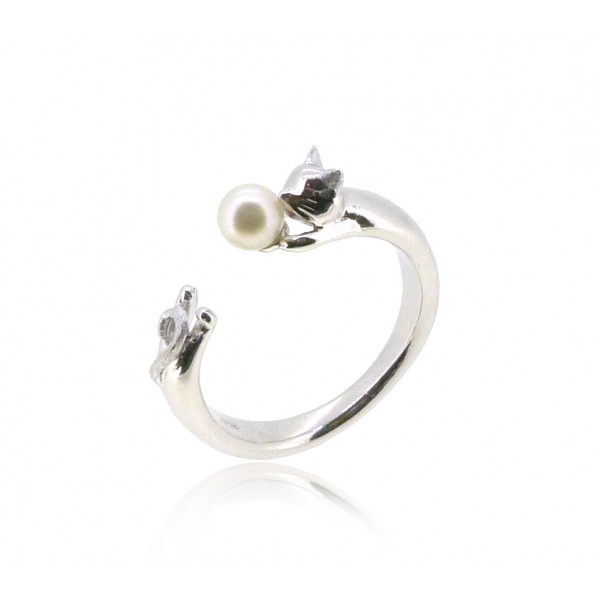 HK187~ Cat Shaped Silver Ring With Akoya Pearl